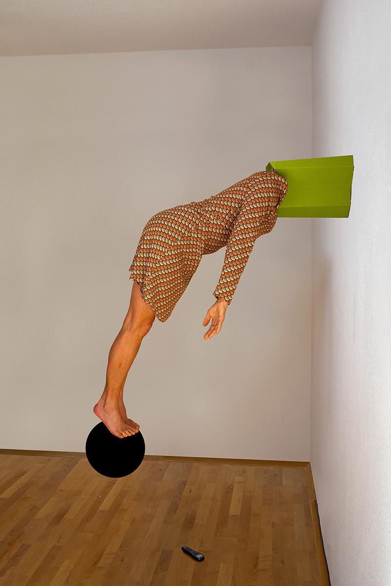 #gritreiss #meisterschülerin #judithsamen #Contemporaryart #performativefotografie #germanartist #erwinwurm